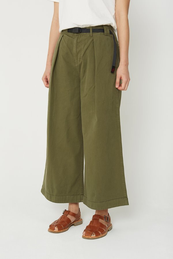 BAGGY PANTS OLIVE